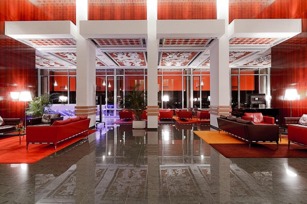 H tels les palaces ivoiriens for Recherche hotel